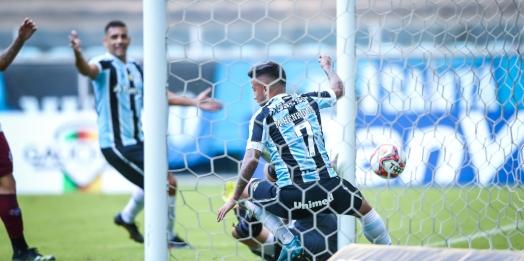 Ouça os gols: Grêmio volta a vencer o Caxias e faz final do Gauchão contra o Inter