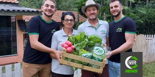Para salvar produção durante pandemia horticultor cria serviço de delivery e entregas não param de aumentar