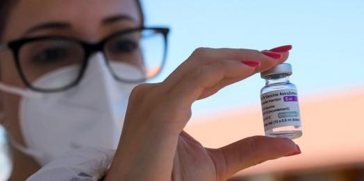 Paraná distribuirá 742,9 mil doses nesta semana; trabalhadores da educação serão contemplados