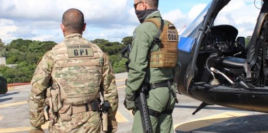 PCPR e PF removem líder de facção criminosa para presídio federal