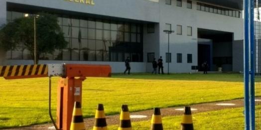 Polícia Federal recebe preso extraditado do Paraguai