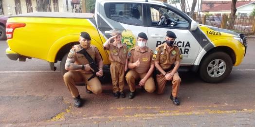 Polícia Militar de Missal realiza sonho de fã mirim