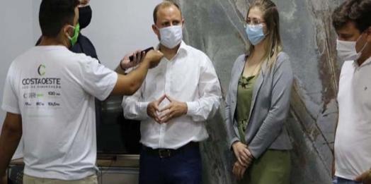 Prefeito Zado sanciona PL que autoriza compra de vacinas em Santa Helena