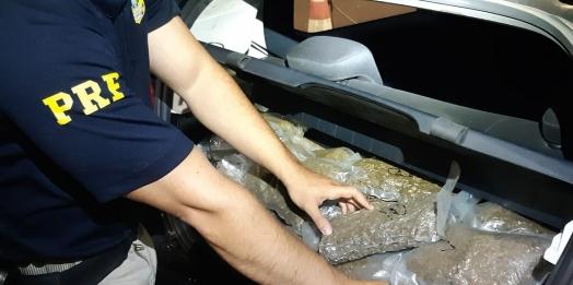 PRF apreende mais de 40 kg de maconha em veículo em Santa Terezinha de Itaipu
