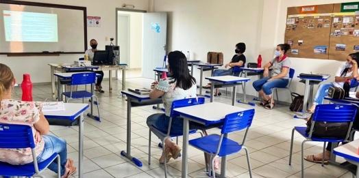 Professores da Rede Pública de Ensino de Itaipulândia abraçam a causa e adotam em sala de aula a campanha 18 de Maio