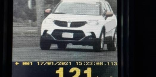 Radar da PRE flagra veículo a 121km/h em Santa Helena