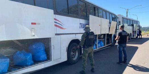 Receita Federal, BPFron e PRF retêm cinco ônibus em Santa Terezinha de Itaipu