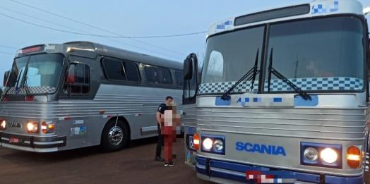 Receita Federal e Polícia Rodoviária Federal retêm dois ônibus de turismo com mercadorias estrangeiras