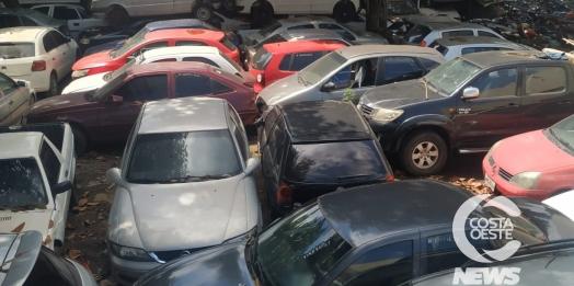 Superlotação de veículos  na delegacia de Santa Helena apresenta perigo à saúde pública