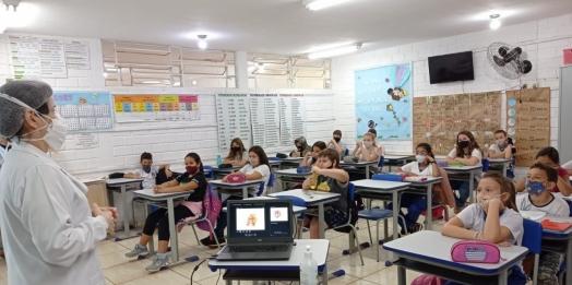 UBS Belo Horizonte trabalha prevenção de gravidez na adolescência com alunos do 5º ano da Escola Grizelde