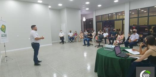 Valcir Teixeira passa cargo de presidente da ACISMI para o vice, Jolmir Raimundi