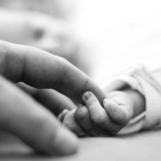 Bebê que completaria dez meses hoje (12) morre ao cair de cama em Pato Bragado
