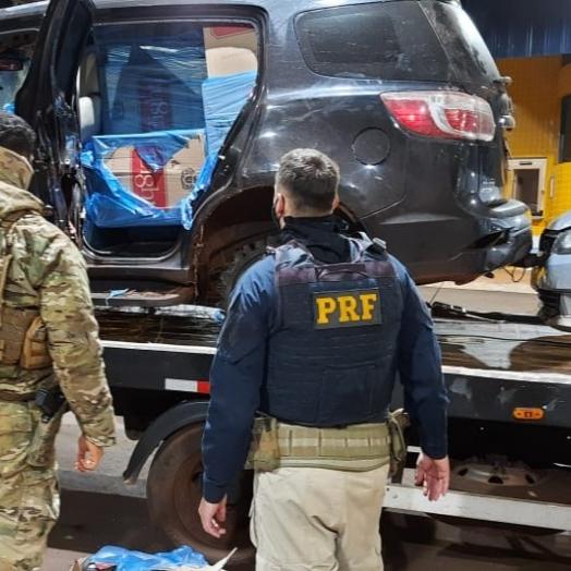 Em ação integrada, PRF e PF apreendem três veículos utilizados no contrabando de cigarros na BR 272