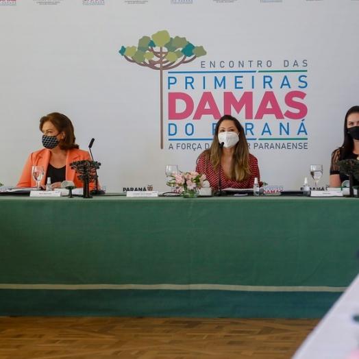 Encontro de primeiras-damas do Paraná discute ações sociais e voltadas às mulheres
