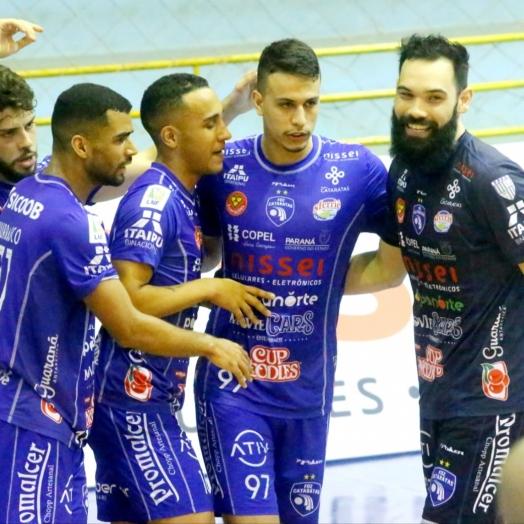 Foz Cataratas recebe o Pato Futsal nesta terça