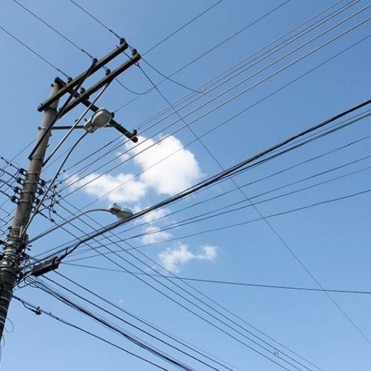 Homem morre eletrocutado ao tentar religar rede elétrica em Foz do Iguaçu