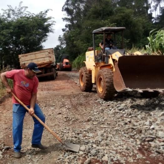 Secretaria de Obras de Matelândia segue realizando os trabalhos