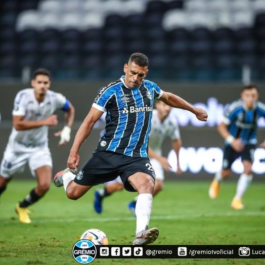 Ouça o gol:Grêmio vence São Paulo e garante vantagem com gol de Diego Souza
