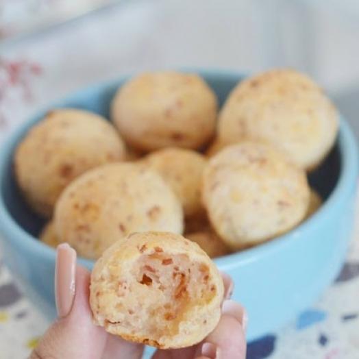 Pão de queijo de calabresa fácil