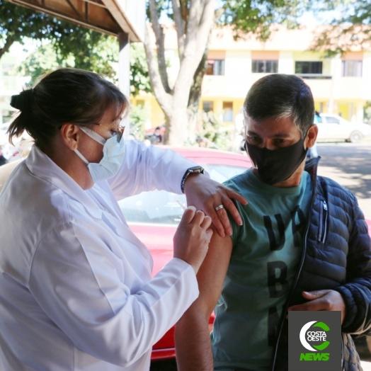 Pessoas com 29 anos ou mais serão vacinadas nesta sexta-feira (30), em Santa Helena
