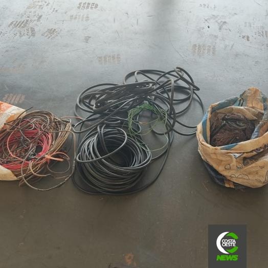 PM detém ladrão e receptador de fios de cobre furtados em Santa Helena