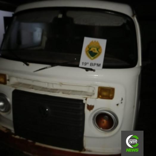 Polícia Militar de Entre Rios do Oeste apreende VW Kombi com placa modificada