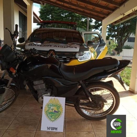 Polícia Militar de Itaipulândia recupera moto furtada, apreende arma e detém uma pessoa