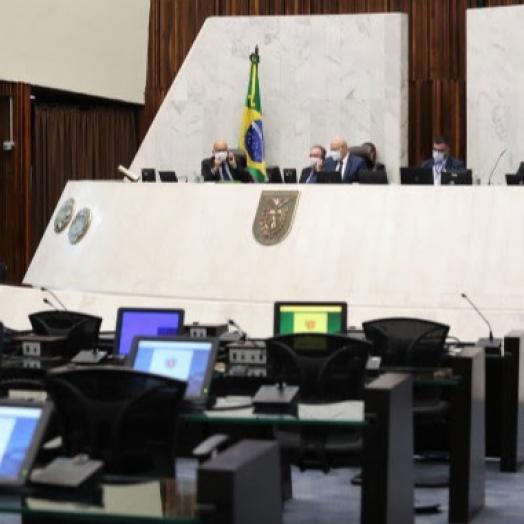 Projeto que pune atos racistas e homofóbicos em estádio de futebol é aprovado pelos deputados na Assembleia Legislativa do Paraná