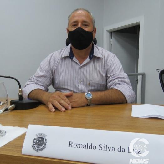 Suplente, Romaldo Silva toma posse no legislativo de Santa Helena; 'não vim por dinheiro'