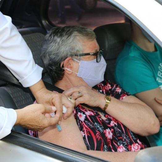 Vacinação contra a covid-19 acontece nesta quinta em Santa Helena; veja quem recebe a primeira e segunda dose